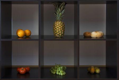frutas separados en seis diferentes casillas Foto de archivo - 5137789