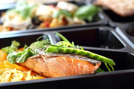 Gastronomie. Box-Diät. Essen zum Mitnehmen in einer Box.