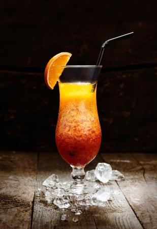 Seks na plaży Drink na blacie w barze z tle drewna Zdjęcie Seryjne - 15513637