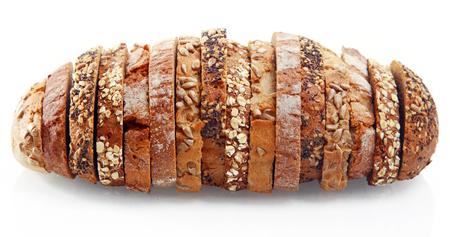 Close up assorties savoureux pain tranches allemands formés comme un rouleau de pain, isolé sur fond blanc. Banque d'images - 32819894