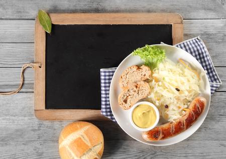 comida alemana: Cierre de comida saludable en la placa