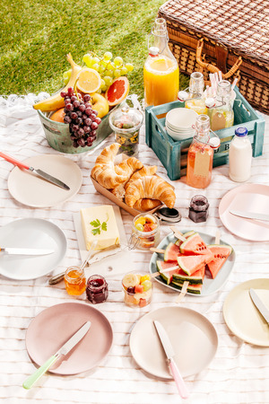 Favori Succo Di Frutta Fresca Fatta In Casa Per Un Pic-nic D'estate  XU02