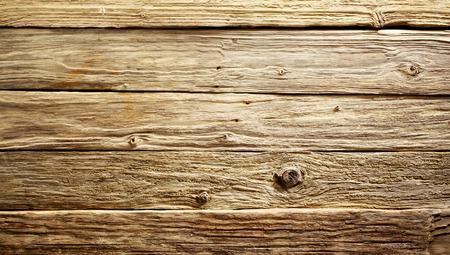 昔の素朴な粗目風化した木のテーブルまたは表示ボード背景を完全なフレームの上からクローズ アップ 写真素材