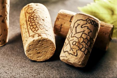 클로즈 업보기에서 와인 corks의 배열