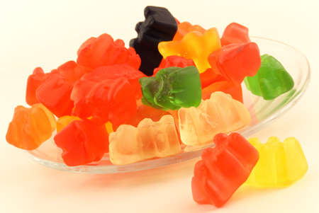 Bear-shaped gummy candies LANG_EVOIMAGES