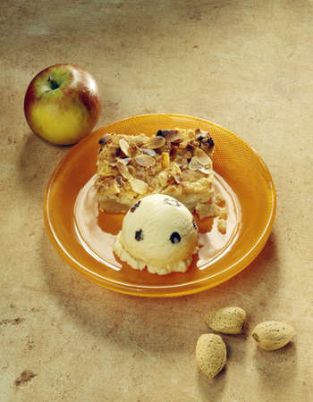 Apple crumble and vanilla ice cream