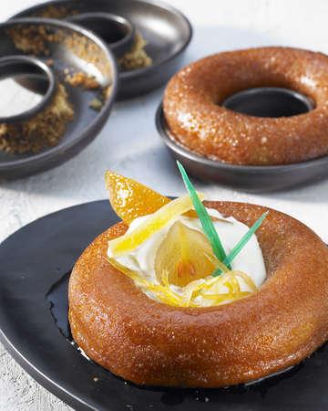 rum cake: Baba con frutta candita