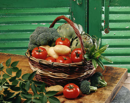 Basket of vegetables Stock Photo - 17028878