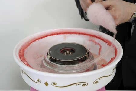 algodon de azucar: Preparación de algodón de azúcar para un buffet LANG_EVOIMAGES