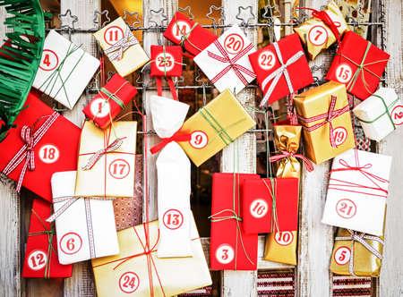 calendario diciembre: calendario de adviento agradable con peque�os regalos