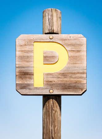 se�al parking: Muestra del estacionamiento del viejo Foto de archivo
