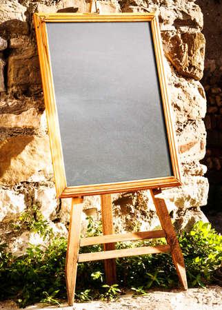 leeren schwarzen Brett (menu board) in einem Restaurant - nice backgroud mit Platz für Text Standard-Bild