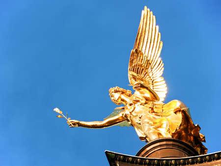 Berühmten Friedensengel in München - Deutschland - Bogenhausen - 1896 Standard-Bild - 17376420