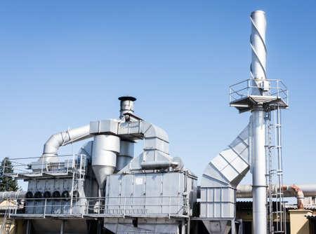 industria quimica: construcci�n moderna refiner�a en Italia