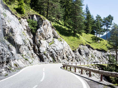 curve at the european alps Stock Photo - 18936049