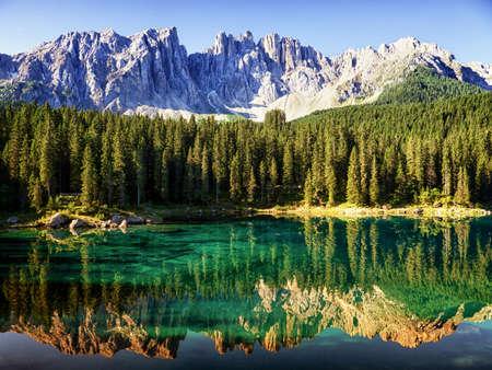 karerlake op de Dolomieten in Italië Stockfoto