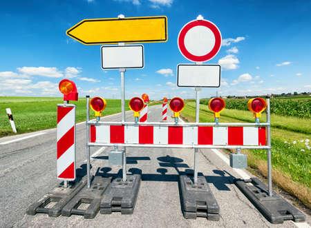 建設現場で道路標識