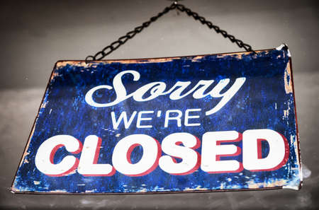 closed sign: closed sign at a shop