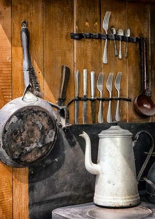 cucina antica: vecchia cucina in una fattoria