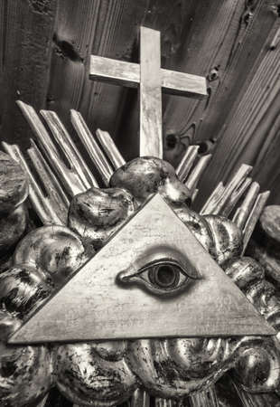 the everything seeing eye at a historic tombstone Stock Photo
