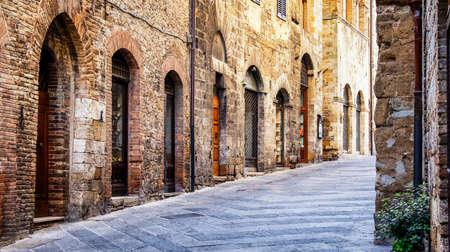 Stare miasto San Gimignano - Toskania - Włochy
