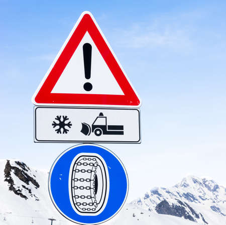 winter tire: warning sign for winter tire