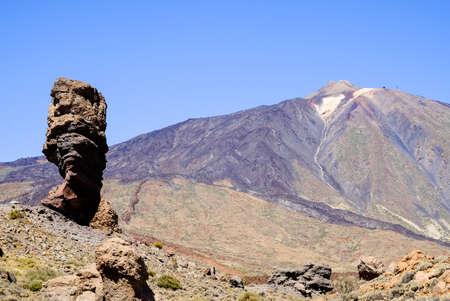Pico del Teide - montaña más alta de España en Tenerife - Canarias Foto de archivo - 68036139