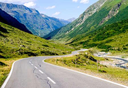 curve: curve at the european alps