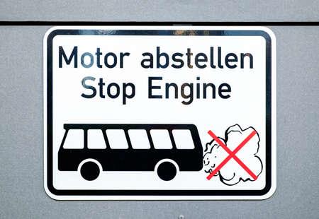 stop engine sign in germany 版權商用圖片 - 81216198