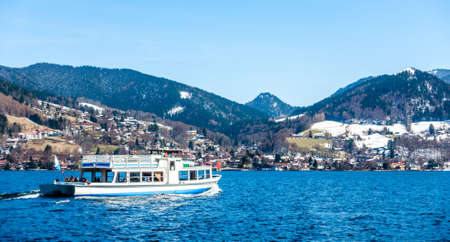 famous tegernsee lake in bavaria - germany Redaktionell