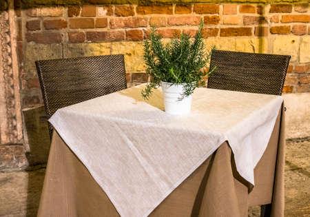 restaurante típico italiano en la acera - foto