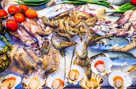 decorazione in un tipico mercato del pesce italiano Archivio Fotografico