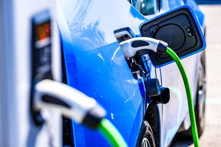 elektrische auto-oplader - close-up foto