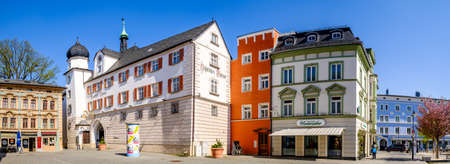 Rosenheim, Germany - April 11: typical historic bavarian buildings at the old town of Rosenheim on April 11, 2020 新闻类图片