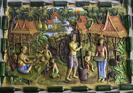 botellas vacias: Tailandia Templo Hecho Botellas Vac�as