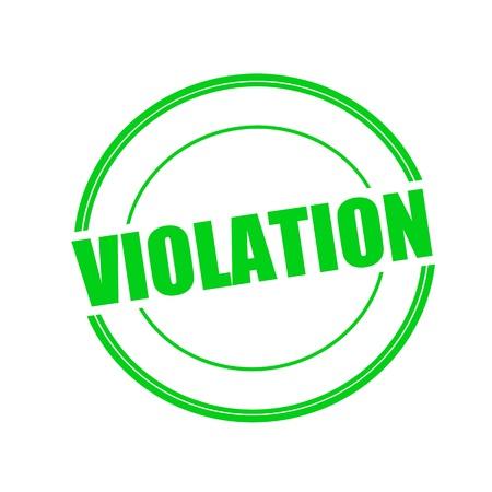 violation: VIOLACIÓn texto del sello verde en círculo sobre fondo blanco Foto de archivo