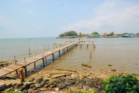 rayong: Boardwalk in Sea Rayong, Thailand