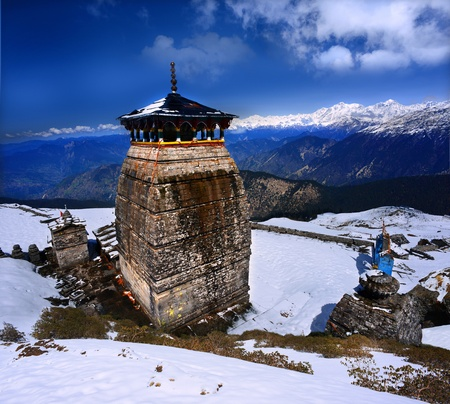 mahabharata: Tungnath is the temple of Lord Shiva in Himalaya, is located just below the peak of Chandrashila on a mountain ridge Tungnath in the state of Uttarakhand, India  Stock Photo