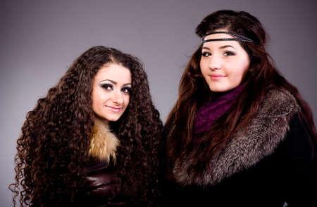 mink: Le belle ragazze in un cappotto di pelliccia Archivio Fotografico
