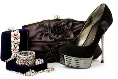 Zapato de moda sexy, un bolso con joyas Foto de archivo