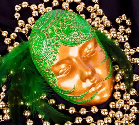 La hermosa máscara veneciana misteriosa para el Carnaval