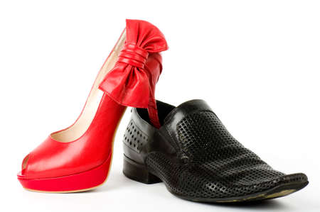 白の背景に分離したセクシーなファッショナブルな靴