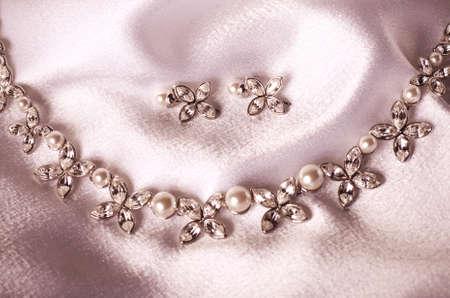Hermosas joyas en el fondo Foto de archivo - 20416696