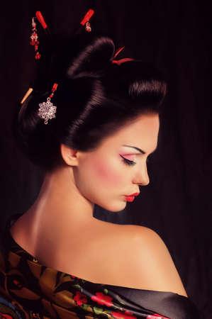 Japanese kimono girl: Chân dung của một người phụ nữ Geisha Nhật Bản
