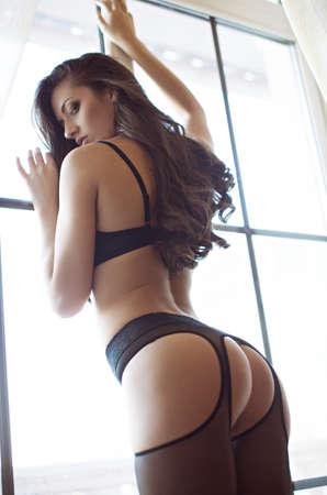 sexy nackte frau: Sexy schöne Brünette Mädchen in Unterwäsche