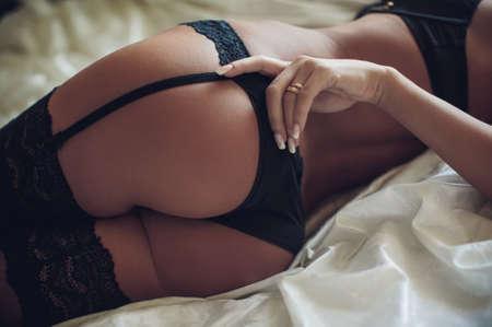 Sexy belle jeune fille en sous-vêtements Banque d'images - 40441429