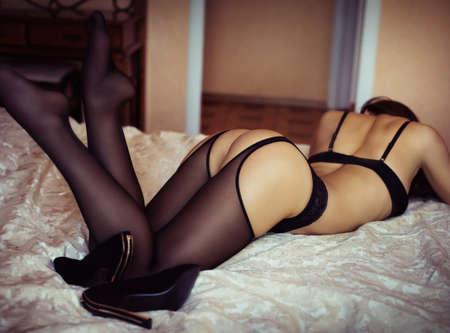 Sexy belle jeune fille en sous-vêtements Banque d'images - 52410264
