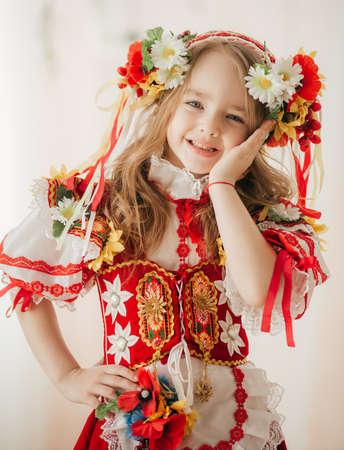 Ukrainian beautiful girl in national clothes 版權商用圖片