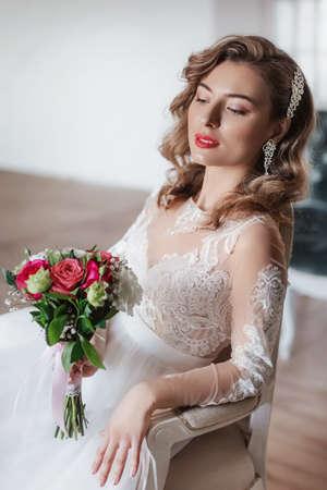 Banque d'images - Portrait de la belle jeune mariée