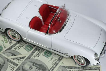 dinero falso: White coche